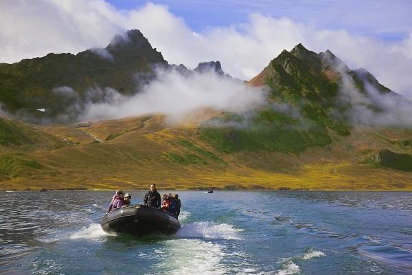 ロシア北極クルーズでカムチャツカ半島を見学