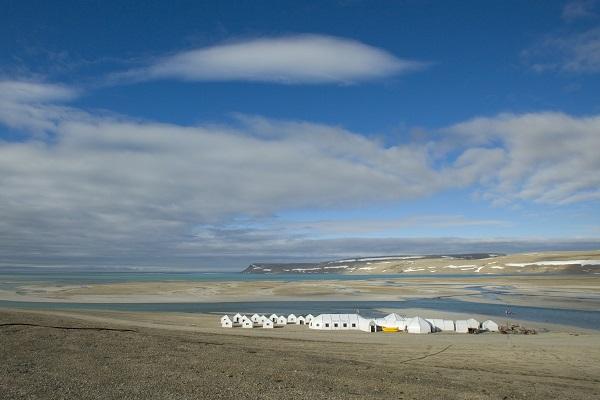 カナダ北極サマーセット島の北極旅行
