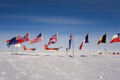 南極90度・南極点でのオーバーナ...